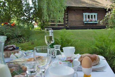 Sektfrühstück auf dem Kahn