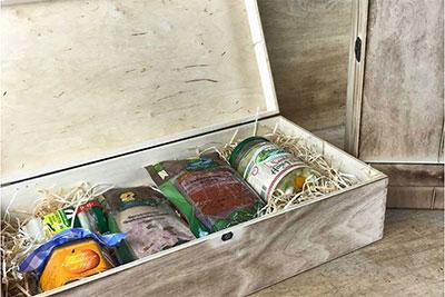 spreewald-info.de: Geschenkset Weihnachtsbox mit Spreewaldprodukten